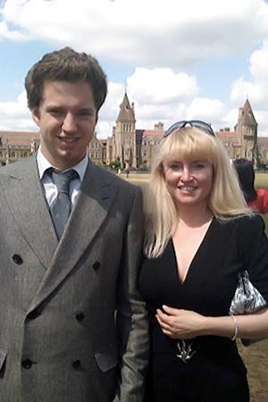 Жанна со старшим сыном (2009 год, Лондон).