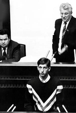 Выступление Олеся Дония с трибуны Верховного Совета УССР помогло протестующим добиться внимания СМИ, а значит - всей страны.