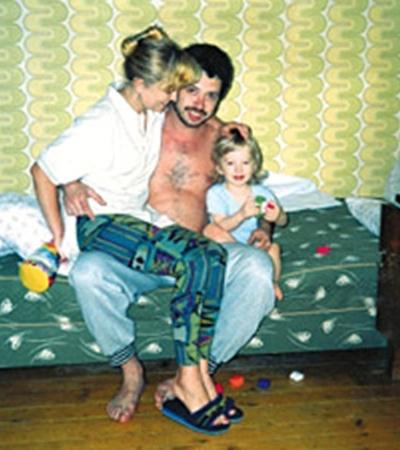 Бизнесмен с женой и первенцем Геной (осень 1992 года, Вена).