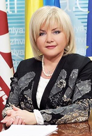 Оксана Билозир:  - Власть на местах должна заниматься ремонтом дорог, а не играть в политические игры.