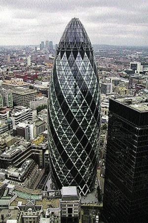 Знаменитый «огурец» в центре Лондона - здание швейцарской страховой компании.