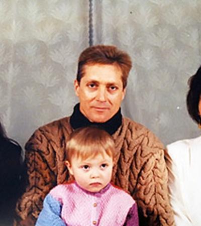 Теперь Николай Гречка вместе с семьей - только на фотографиях.