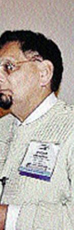 Рагбир Батал, получивший сигнал с Глизе, производит впечатление солидного ученого.