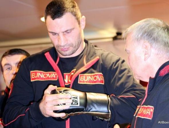 Букмекеры ставят на победу Кличко. Фото с сайта allboxing.ru.