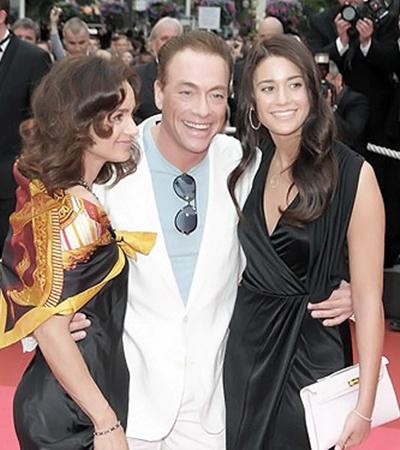 Жан-Клод с женой Глэдис (слева) и дочкой Бьянкой.