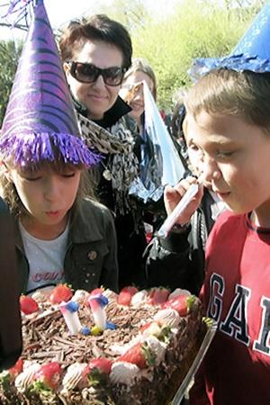 Даниэлла и Давид впервые в жизни праздновали свойдень рождения заграницей.