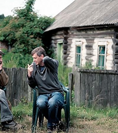 Владимир Головин с режиссером Сергеем Лозницей на съемках фильма «Счастье мое». Фото предоставлено SOTA Cinema Group.