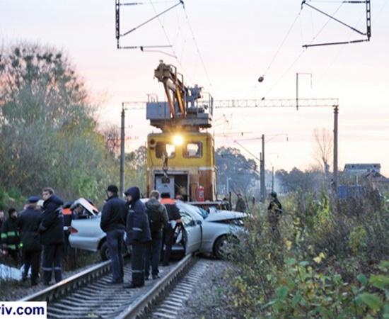 ДТП на железнодорожном переезде произошло во Львовской области.