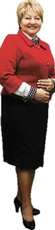 Начальник горздрава Раиса Моисеева позволяет себе лишь небольшое отступление от дресс-кода - яркий пиджак.