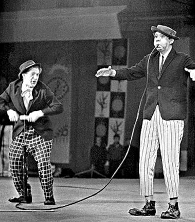 Юрий Никулин очень любил выступать в Киевском цирке (слева - его партнер Михаил Шуйдин).