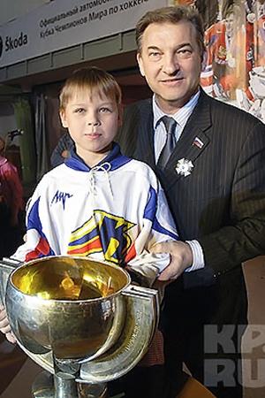 Дима мечтал играть в хоккей, но теперь на спортивной карьере поставлен крест.