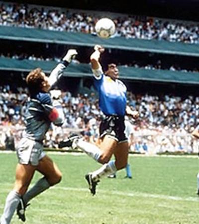 1986 год. Аргентина - Англия. Та самая «рука Бога».