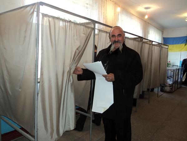 Главный казак города голосовал не сам.