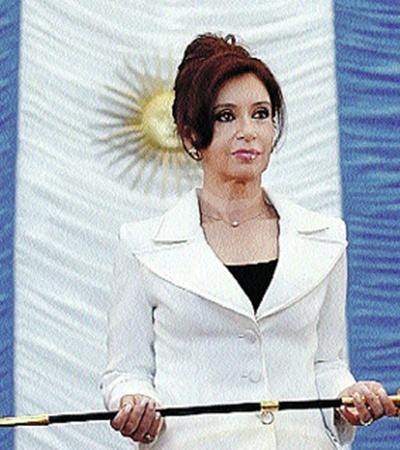 Аргентинка Кристина Фернандес де Киршнер недолго оставалась в тени мужа. И унаследовала кресло президента.
