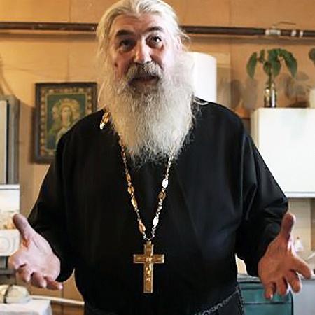 Новый настоятель храма отец Александр не понимает, почему его не приняла паства.