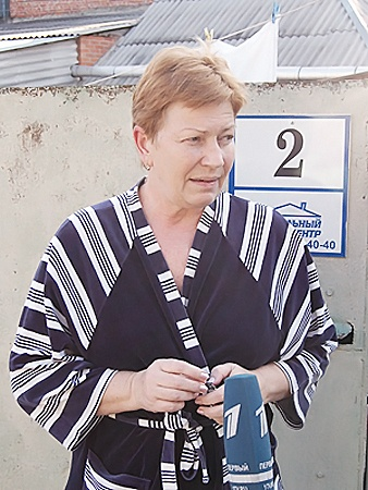 - Мы услышали крики и заволновались, - вспоминает соседка Наталья Шведова.