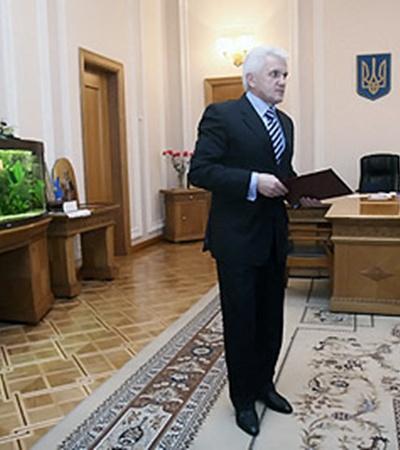 Литвин: - Полномочий у парламента хватает, было бы желание работать.