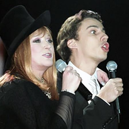 В собственном театре Алла и Максим еще споют «на бис»!