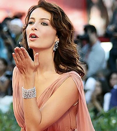 Виоланта Плачидо пошла по стопам отца и стала известной актрисой.