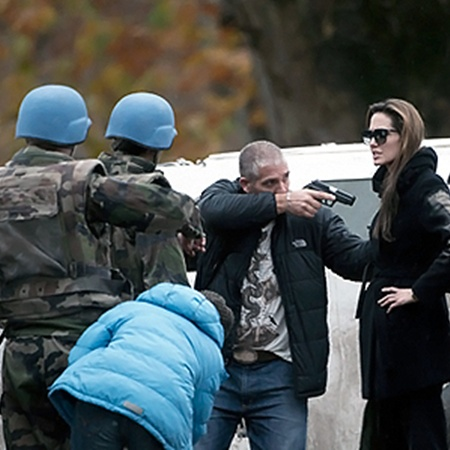 Политики Боснии страны не успели посмотреть картину, но уже ее осуждают.