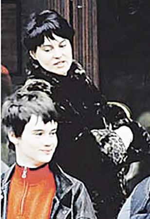 Вторая жена актера Ирина с сыном.