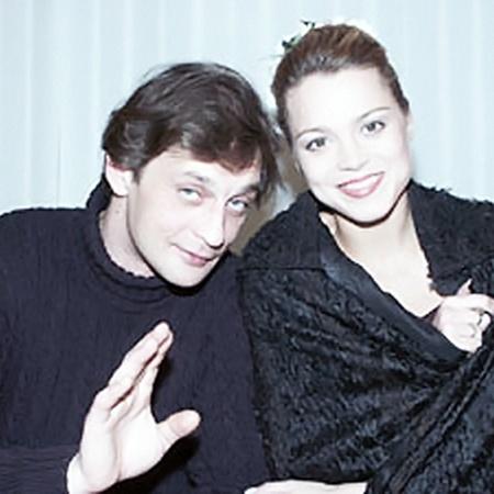 Александр Домогаров с третьей женой Натальей Громушкиной дружен до сих пор.