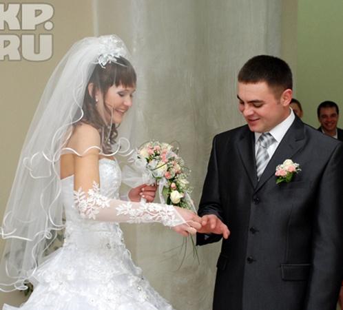 Елена и Джалиль - от семейного счастья остались одни фотографии.