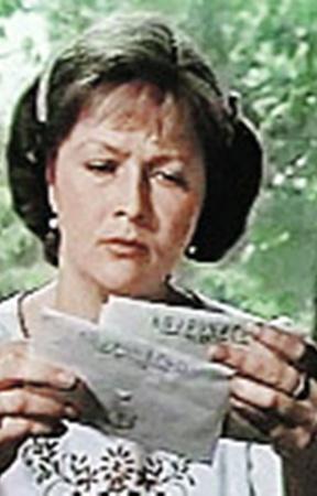 Киношная сваха в исполнении Натальи Гундаревой устроила десятки чужих судеб. А в реальности все не так радужно...