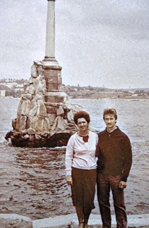 С женой Ириной в Севастополе.