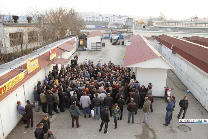 Предприниматели возмущены таким отношением со стороны чиновников. Фото: kerch.com.ua