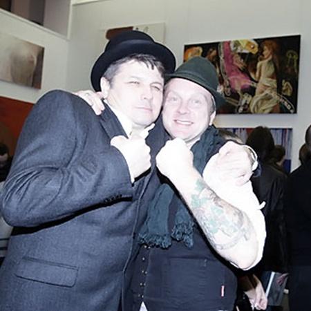 Олег Пинчук и Антон Мухарский на любой тусовке чувствуют себя в своей тарелке.