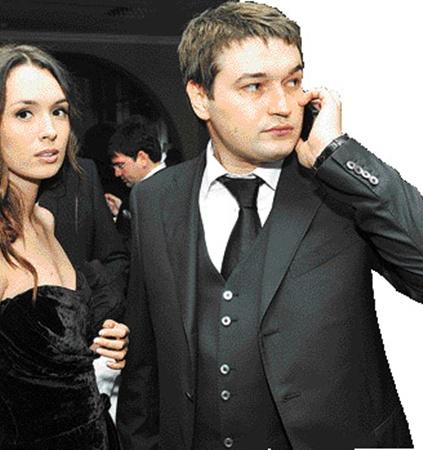 Андрей Ющенко с женой Лизой мало общались с другими гостями.