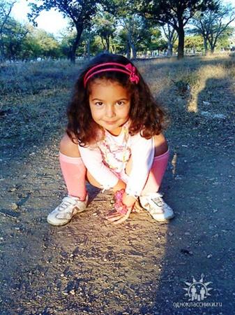 Старшая - Настя, 5 лет