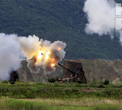 Сегодня на границе этих стран началась артиллерийская перестрелка. Фото: АП