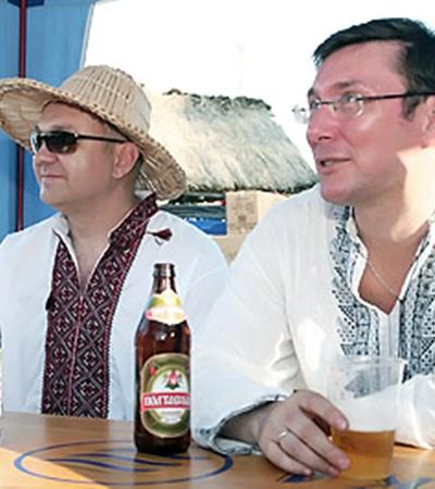 Безработный Юрий Луценко свободное время любит проводить за кружкой пива и книгой.