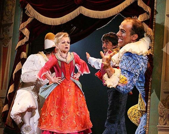 «Cirque du Soleil» показывает шоу «Corteo» в Москве еще 2 недели.