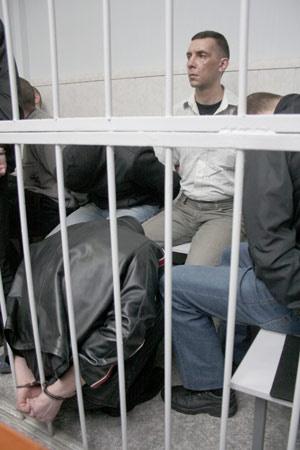Главарь банды сутенеров и убийц Чудинов в зале суда. На счету банды - 15 убитых девушек.