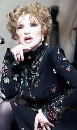 В Киеве Людмила Марковна вспоминала о любимых ролях и мужчинах.