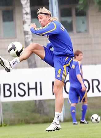 В 2010-м Тимощук сыграл за сборную свой сотый матч.