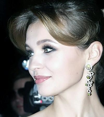 Имея много бриллиантов, «Вице-мисс Вселенная 2010» Анна Пославская мечтает лишь об одном, но большом.