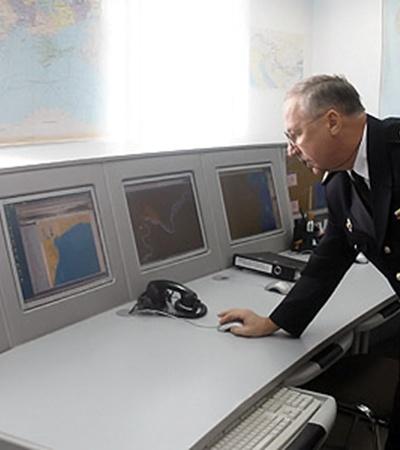Каждая деталь о состоянии каналов, маневрах судов, даже их грузах сразу попадает на мониторы поста регулирования движения  судов «Вилково».