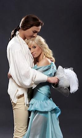 Звезды «Танцуют все!» Артем Гордеев и Натали Кротова сыграют Барона и Марту.