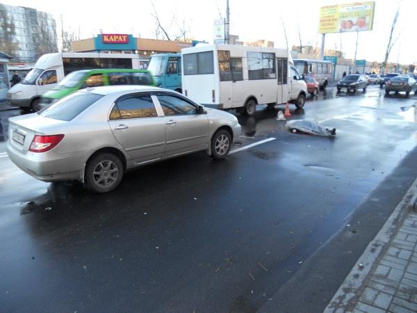 Под колесами «Тойоты» скончалась женщина. Фото: ura.dn.ua