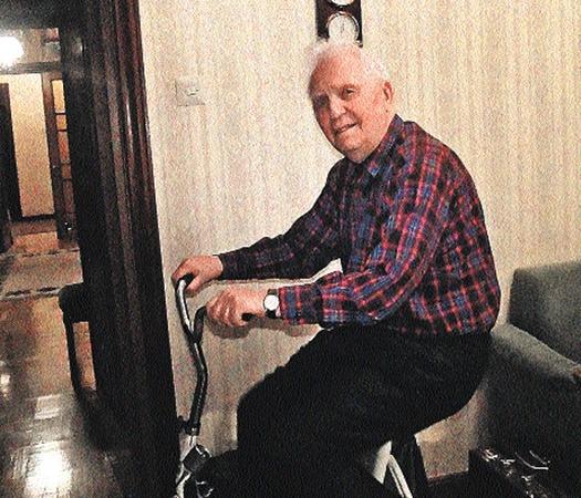 Ветеран и в 90 лет по-прежнему в седле!