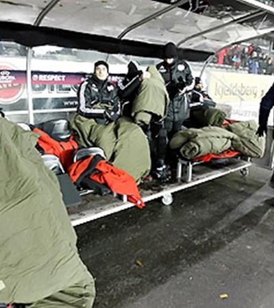 Игроки «Байера» перед матчем с «Русенборгом»: главное - не примерзнуть к скамейке!