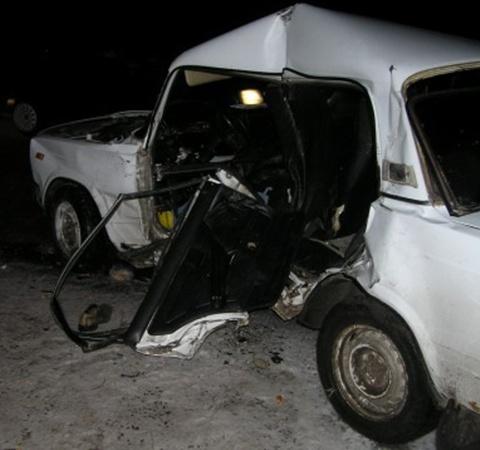 Водитель погиб на месе. Фото: www.0629.com.ua.