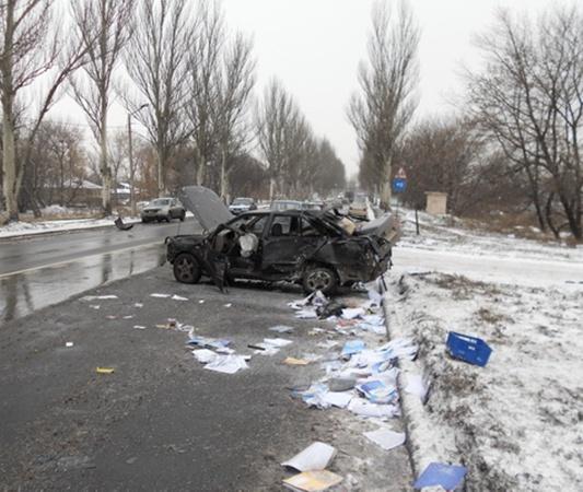 От неминуемой гибели водителя спасла подушка безопасности. Фото: ura.dn.ua.