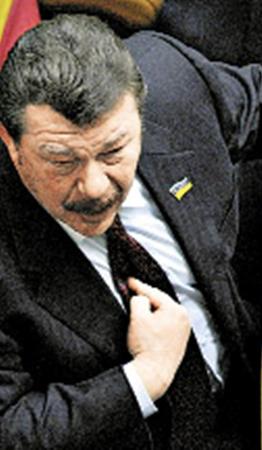 Экс-министр обороны Александр Кузьмук: - Когда пройдет пенсионная реформа, мы можем потерять офицерский корпус.