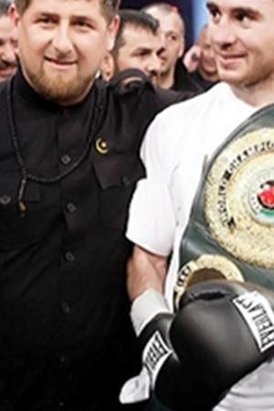 Кадыров (слева) и Байсангуров: - Бровары для нас - счастливое место!