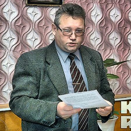 Глава сельсовета Павел Маллаев признается, что население Кирзы устало терпеть бесчинства милиционеров из Ордынки.